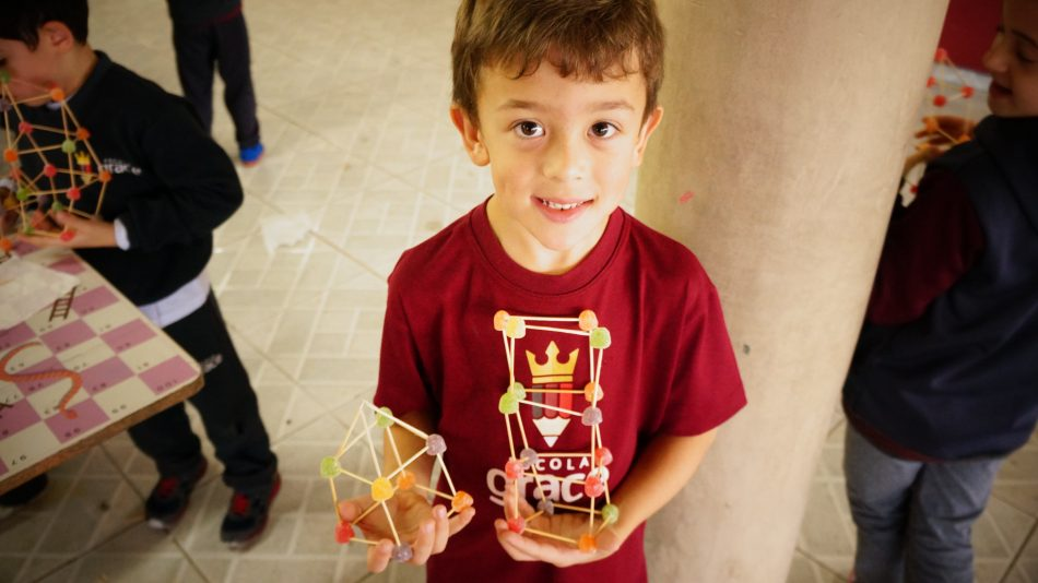 Doce Experiência com Formas Geométricas - Escola Grace