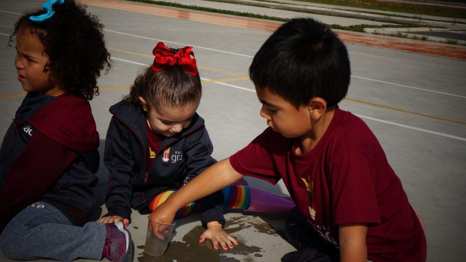Desenhar com Água - Notícias de Turma Escola Grace