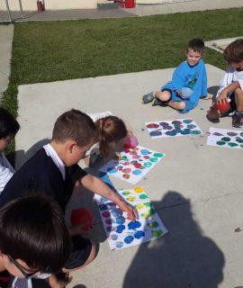 Escola cristã - pintura com balões