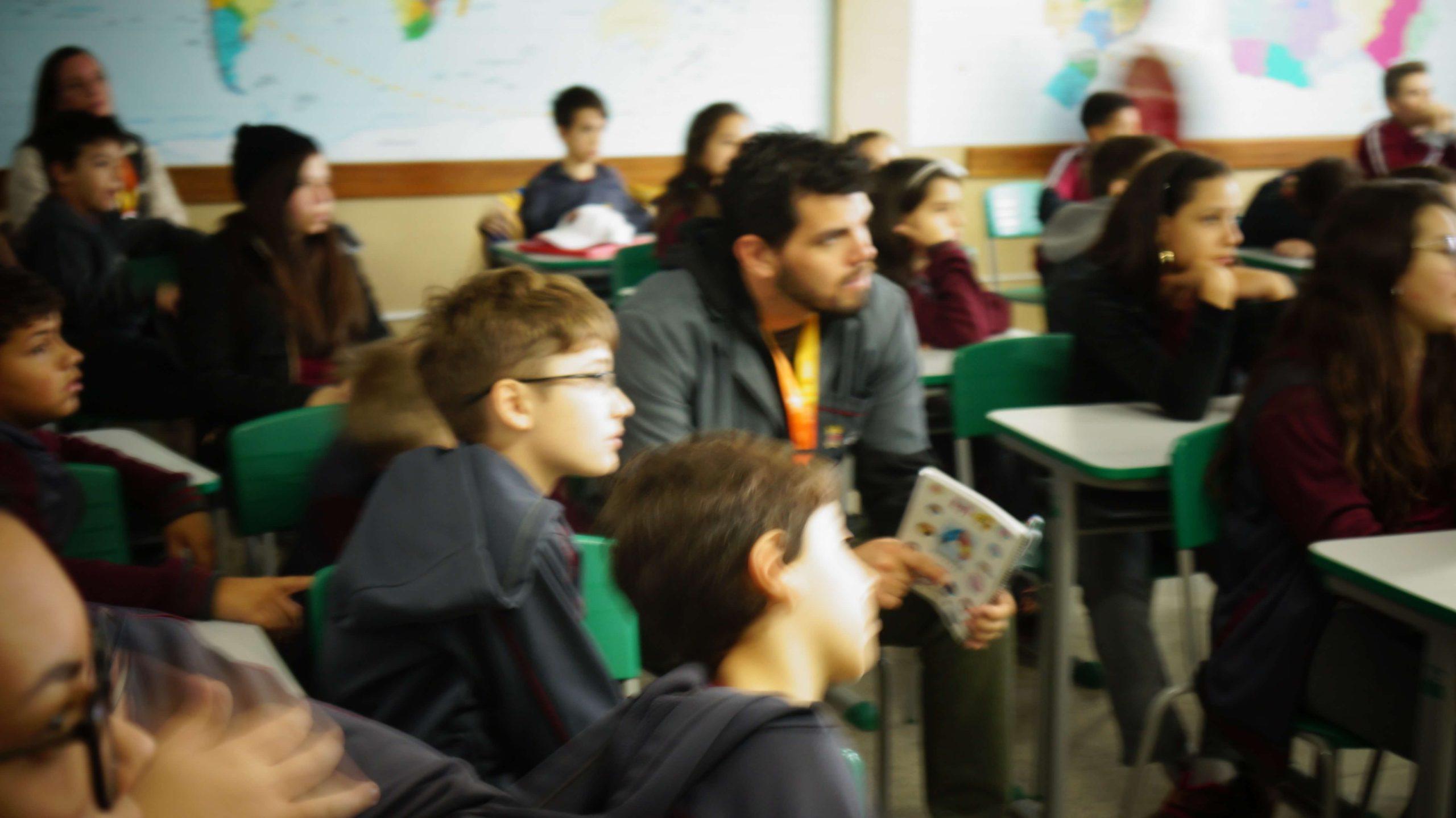 mídia e propaganda na escola